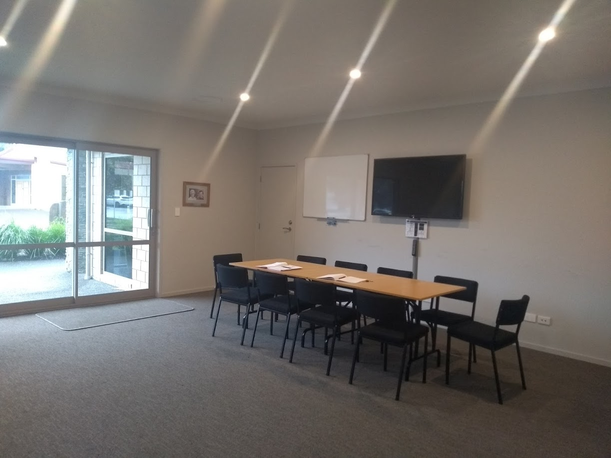 Pauanui Hub meeting room
