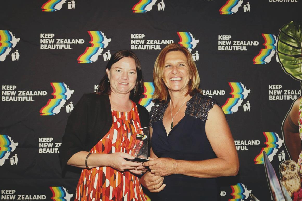 Dr Kate James (Marine Scientist) and Judy Rooney (Founder of the group) representatives from Plastic-Free Coromandel Town who won the Community Group Award at the 2018 Beautiful Awards.